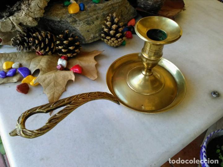 Antigüedades: Portavelas o palmatoría de bronce - Foto 2 - 189773418