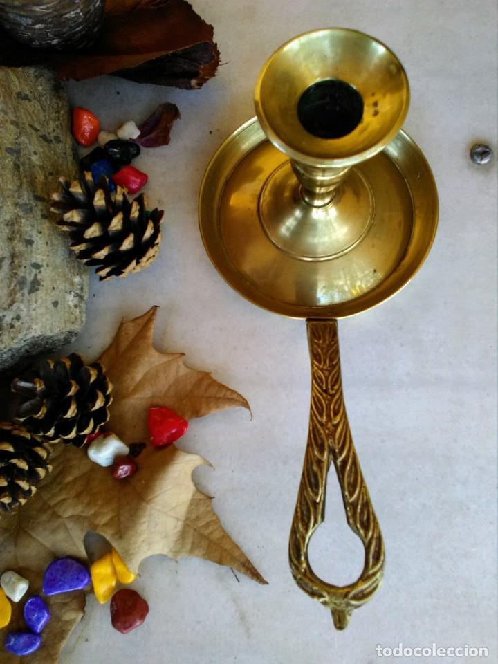 Antigüedades: Portavelas o palmatoría de bronce - Foto 3 - 189773418