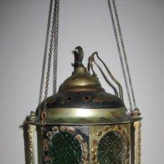 Antigüedades: FAROL ANTIGUO ÁRABE MARROQUÍ LÁMPARA COLGANTE METAL REPUJADO. Lote 189773716