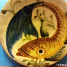 Antigüedades: ANTIGUO PLATO DE PORCELANA. PEZ. PUIG. DIÁMETRO 28 CM. Lote 205852917
