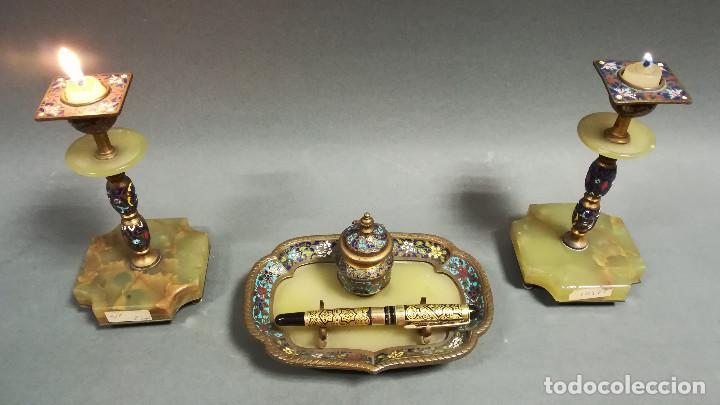 Antigüedades: ESCRIBANIA MODERNISTA CON CANDELEROS EN ONIX Y CLISONNÉ - Foto 5 - 189815763