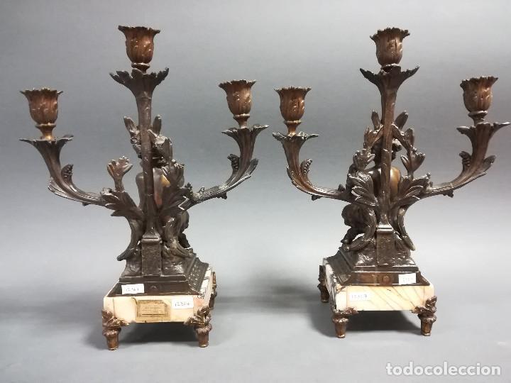 Antigüedades: PAREJA CANDELABROS NIÑO CARNERO EN CALAMINA SIGLO XIX - Foto 3 - 189817122