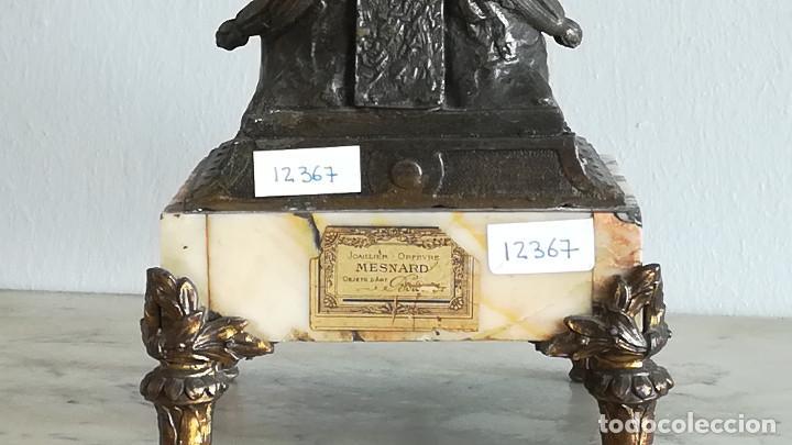 Antigüedades: PAREJA CANDELABROS NIÑO CARNERO EN CALAMINA SIGLO XIX - Foto 9 - 189817122