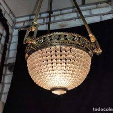 Antigüedades: LAMPARA DE TECHO GLOBO DE GRANOS DE CRISTA, C.1900. Lote 189881026