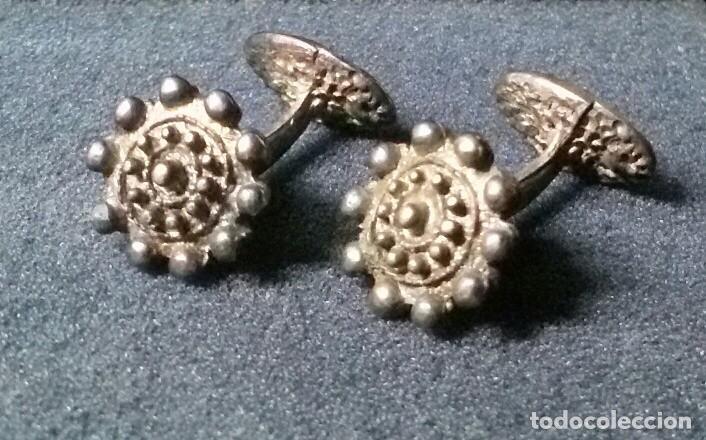 Antigüedades: bonitos antiguos gemelos repsol - Foto 2 - 189954721