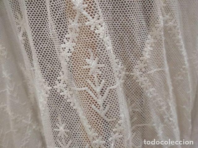 Antigüedades: ANTIGUA ALBA DE CURA EN ALGODON Y ENCAJE - Foto 5 - 190030078