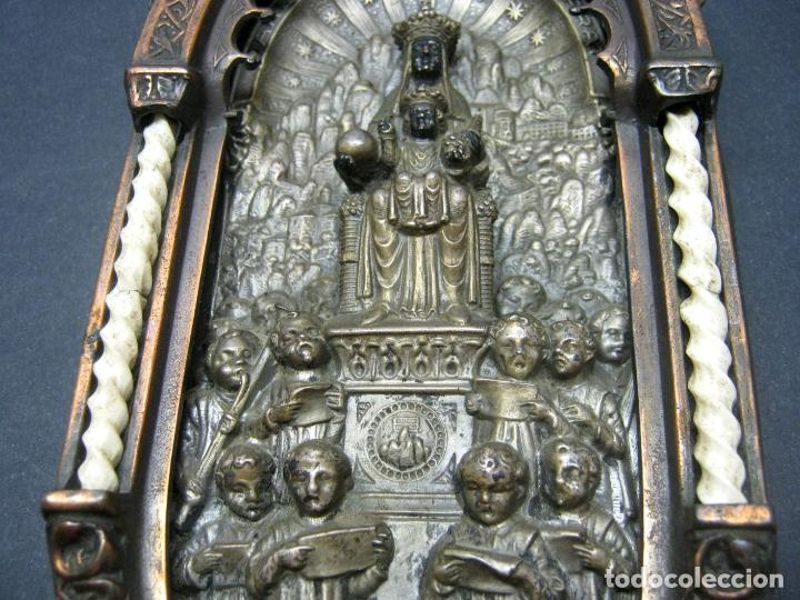 Antigüedades: Antigua gran benditera Virgen de Montserrat - varios metales columnas talladas en hueso - Foto 5 - 190040295