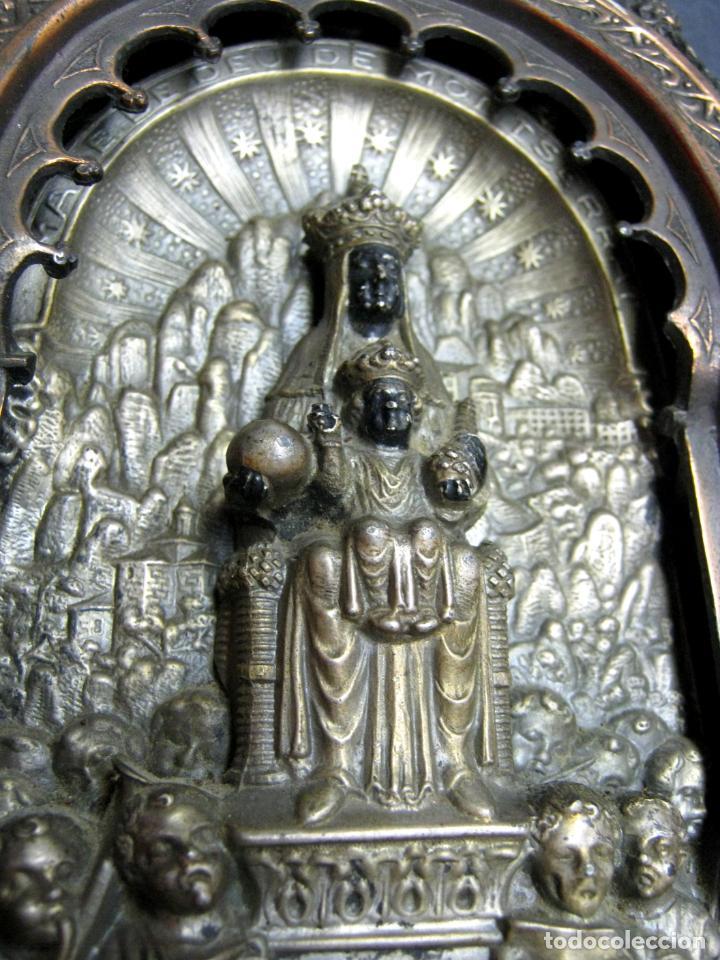 Antigüedades: Antigua gran benditera Virgen de Montserrat - varios metales columnas talladas en hueso - Foto 7 - 190040295
