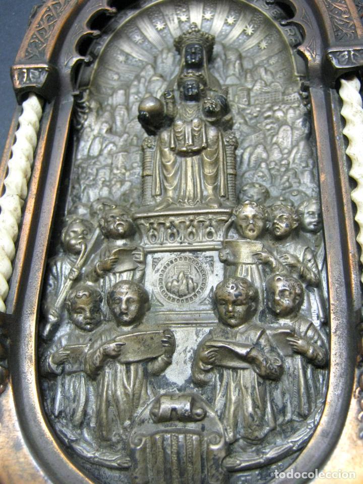 Antigüedades: Antigua gran benditera Virgen de Montserrat - varios metales columnas talladas en hueso - Foto 4 - 190040295