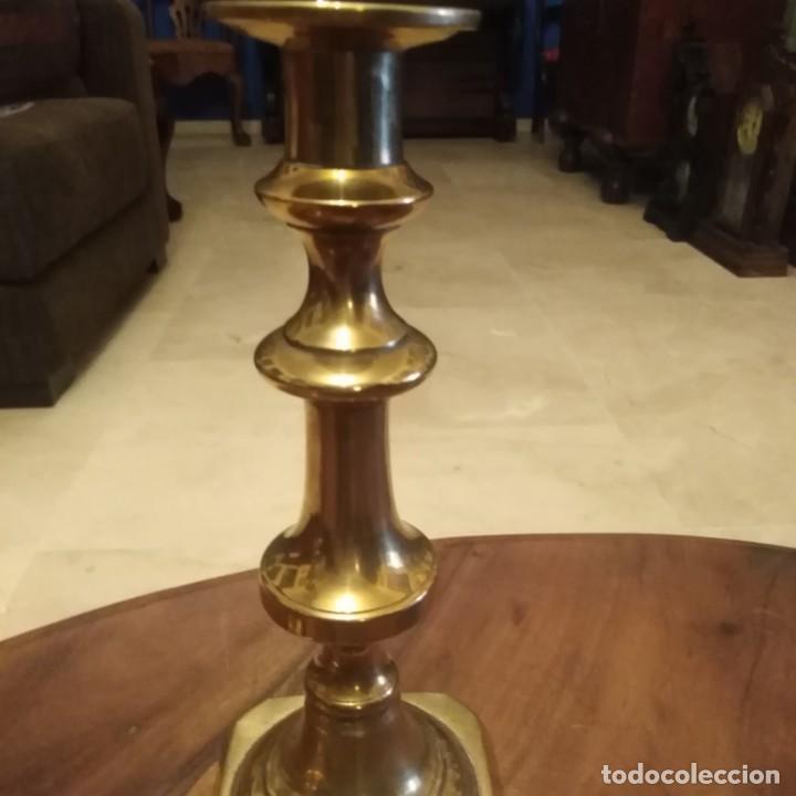 Antigüedades: Antiguos Candelabros de bronce dorado. siglo xix - Foto 6 - 190047512