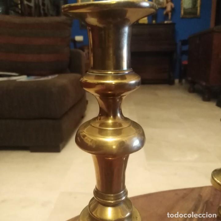 Antigüedades: Antiguos Candelabros de bronce dorado. siglo xix - Foto 12 - 190047512
