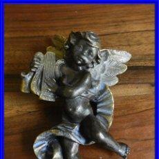 Antigüedades: ANGELOTE MUSICO TOCANDO EL ARPA CON PATINA DE BRONCE. Lote 190063270