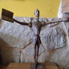 Antigüedades: CERVANTES TALLA MADERA NOGAL. Lote 190066950