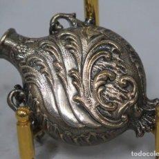 Antigüedades: ESENCIERO SNUFF BOTTLE DE METAL PLATEADO MODERNISTA . Lote 190066996