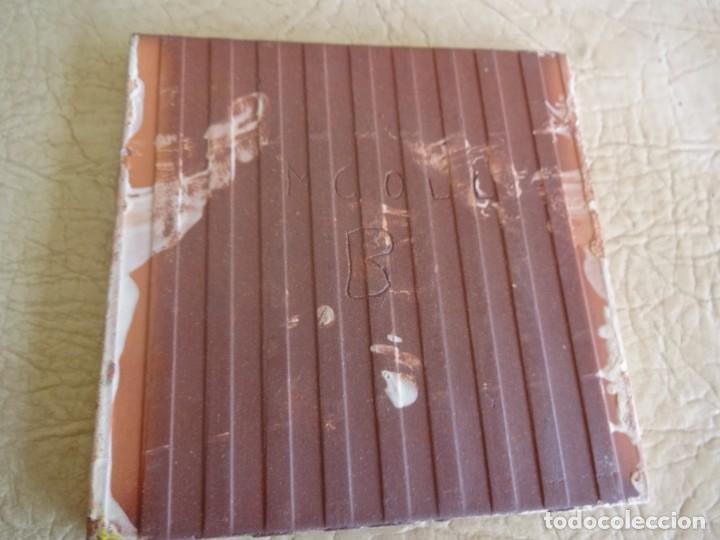 Antigüedades: baldosa firmada por m coll b 15 cm x 15 cm - Foto 5 - 148777990
