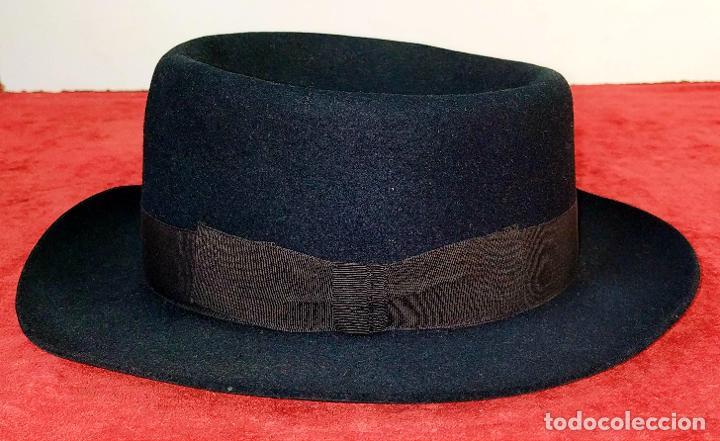 SOBRERO DE CABALLERO. FIELTRO NEGRO. OBACH, BARCELONA. CIRCA 1930 (Antigüedades - Moda - Sombreros Antiguos)