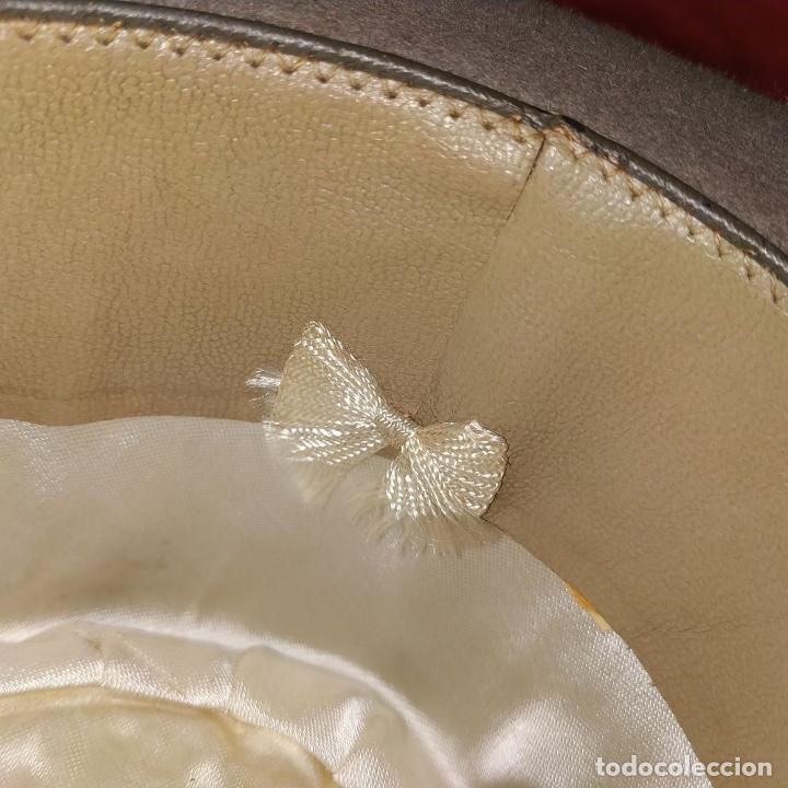 Antigüedades: SOMBRERO DE CABALLERO. FIELTRO GRIS CLARO. MAGRIÑÁ BARCELONA. ESPAÑA. CIRCA 1930 - Foto 10 - 190133790