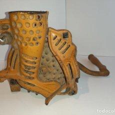 Antigüedades: DESGRANADORA DE MAIZ. Lote 190146770