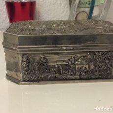 Antigüedades: PRECIOSO JOYERO DE METAL ANTIGUO- VER LAS FOTOS. Lote 190213152