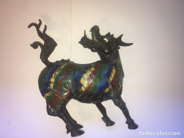 Antigüedades: Unicornio-incensario de bronce y esmalte cloisoné/Qilin-Bronze-enamel incense burner. China, s. XIX - Foto 13 - 190219636