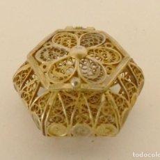 Antiquités: CAJITA DE FILIGRANA EN PLATA DORADA.. Lote 190220850
