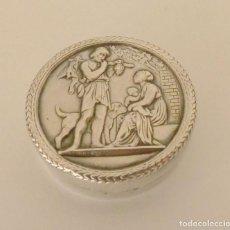 Antigüedades: PASTILLERO DE PLATA - FAMILIA.. Lote 190221385