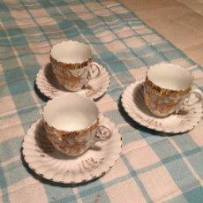 Antigüedades: ANTIGUO JUEGO DE 3 TAZA / TAZAS DE PORCELANA BLANCA PARA CAFÉ AÑOS 20-30 . Lote 190301870