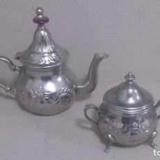 Antigüedades: TETERA Y AZUCARERO DE METAL . Lote 190306711