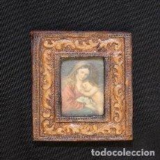 Antigüedades: ANTIGUO RELICARIO DE PIEL CUADRITO CON LA IMAGEN DE LA VIRGEN MARIA CON EL NIÑO JESUS. Lote 190418286
