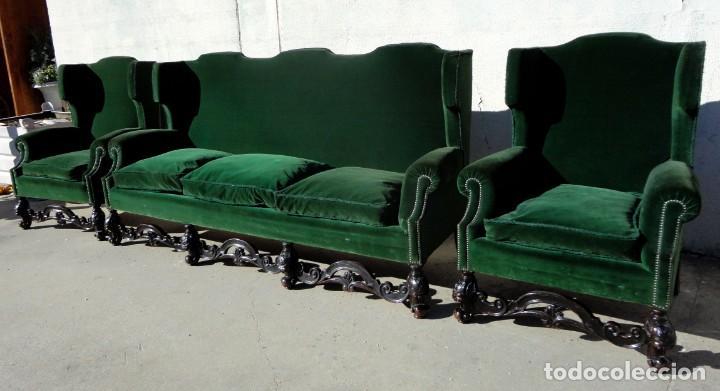 Antigüedades: Sofa y dos sillones orejeros SXIX, terciopelo verde, patas talladas . solo recogida en almacen - Foto 2 - 190432452