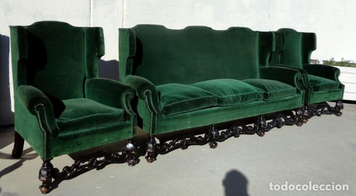 Antigüedades: Sofa y dos sillones orejeros SXIX, terciopelo verde, patas talladas . solo recogida en almacen - Foto 3 - 190432452