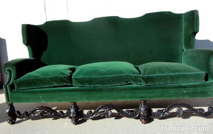 Antigüedades: Sofa y dos sillones orejeros SXIX, terciopelo verde, patas talladas . solo recogida en almacen - Foto 4 - 190432452