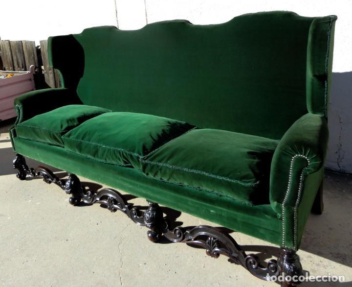 Antigüedades: Sofa y dos sillones orejeros SXIX, terciopelo verde, patas talladas . solo recogida en almacen - Foto 7 - 190432452