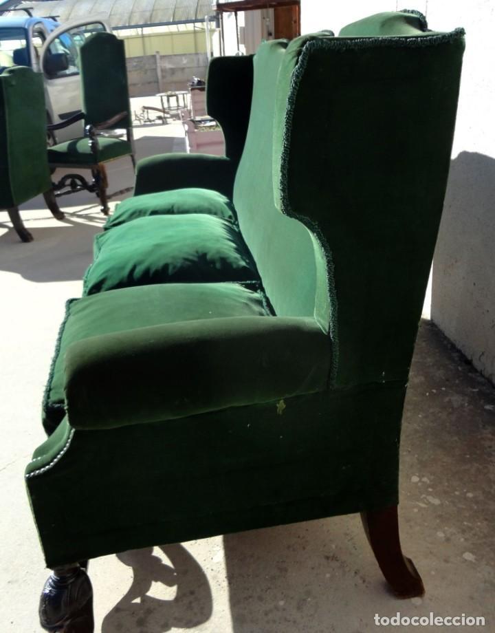 Antigüedades: Sofa y dos sillones orejeros SXIX, terciopelo verde, patas talladas . solo recogida en almacen - Foto 8 - 190432452