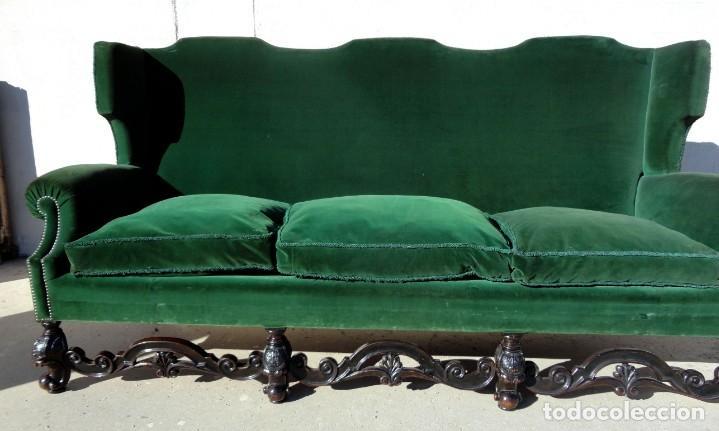 Antigüedades: Sofa y dos sillones orejeros SXIX, terciopelo verde, patas talladas . solo recogida en almacen - Foto 9 - 190432452