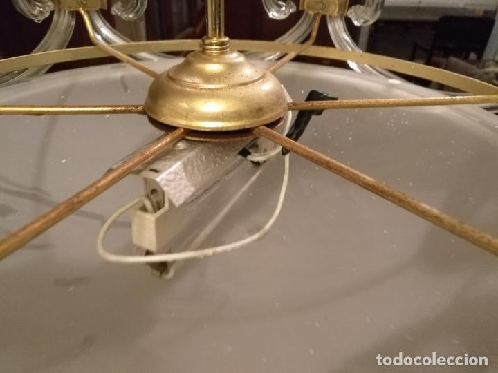 Antigüedades: gran lampara de cristal salon , techo . brazos cristal y tulipa, metal dorado - ancho maximo 50 cm - Foto 14 - 190479520