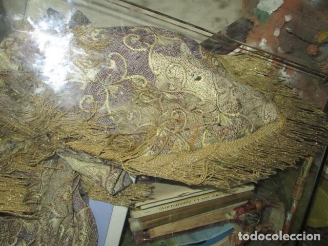 Antigüedades: ELEGANTE ANTIGUA COLCHA PARA CAMA DE 90 DORADA ADMITO OFERTAS !!!! - Foto 3 - 190504611