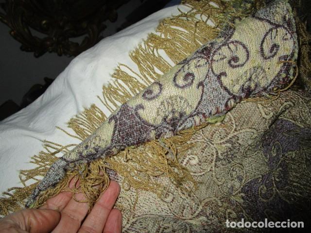 Antigüedades: ELEGANTE ANTIGUA COLCHA PARA CAMA DE 90 DORADA ADMITO OFERTAS !!!! - Foto 8 - 190504611