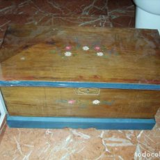 Antigüedades: ANTIGUA ARCA POLICROMADA. Lote 190511358