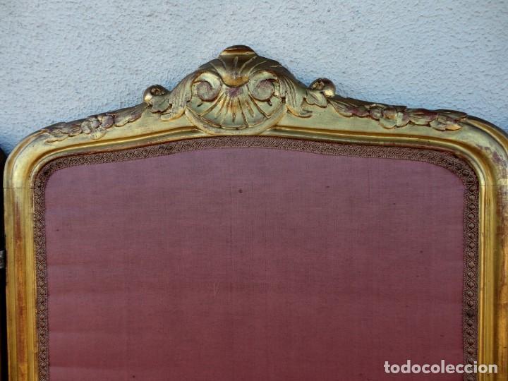 Antigüedades: Biombo frances de madera tallada y dorada en pan de oro, tapizado en seda SXIX - Foto 3 - 190518235