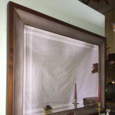 Antigüedades: ESPEJO EN CEREZO CON CAÑÓN PLATEADO. Lote 190531647