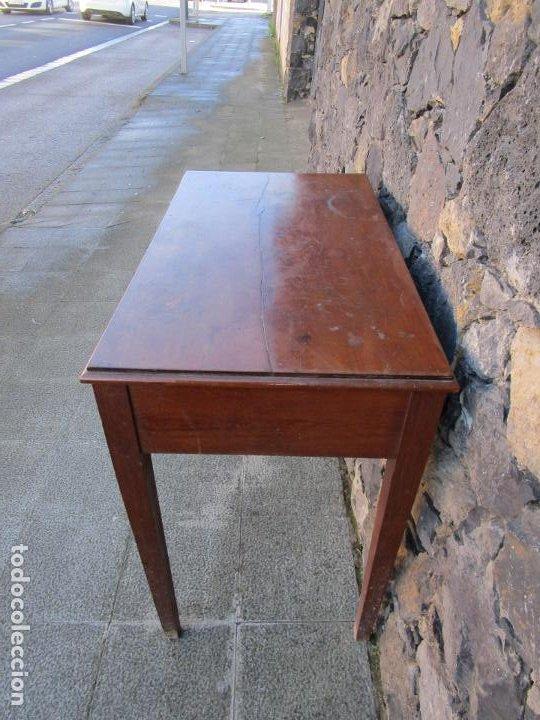 Antigüedades: Pequeña Mesa de Despacho Isabelina - Madera de Caoba - 92 cm Ancho, 51,5 Fondo - S. XIX - Foto 10 - 190537855