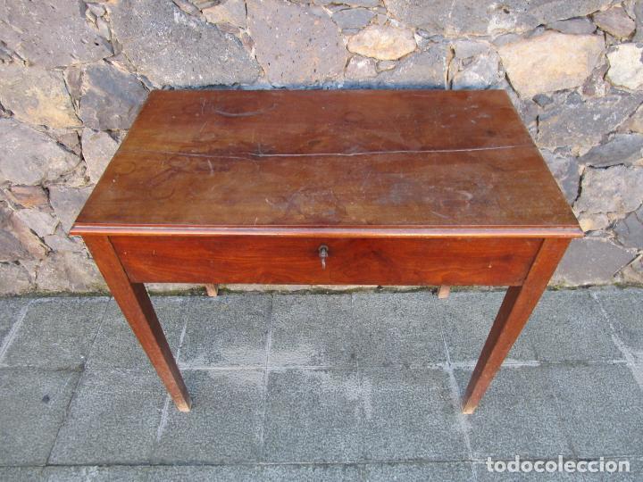 PEQUEÑA MESA DE DESPACHO ISABELINA - MADERA DE CAOBA - 92 CM ANCHO, 51,5 FONDO - S. XIX (Antigüedades - Muebles Antiguos - Mesas de Despacho Antiguos)