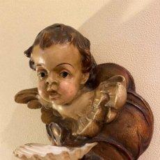 Antigüedades: ANGELITO CON BENDITERA DE CONCHA. Lote 175624332