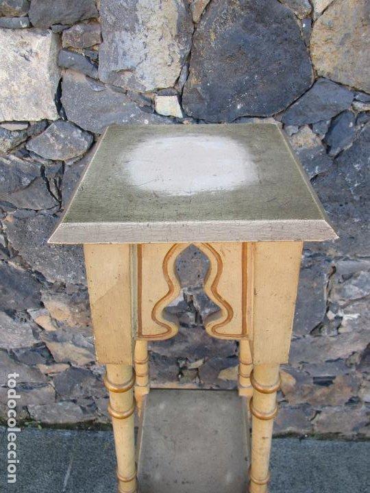 Antigüedades: Antiguo Pedestal Neoclásico - Peana, Pie, Repisa en Madera Policromada - Finales S. XIX - Foto 6 - 190541140