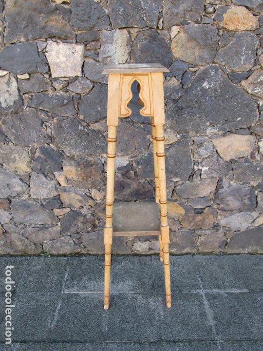 Antigüedades: Antiguo Pedestal Neoclásico - Peana, Pie, Repisa en Madera Policromada - Finales S. XIX - Foto 7 - 190541140