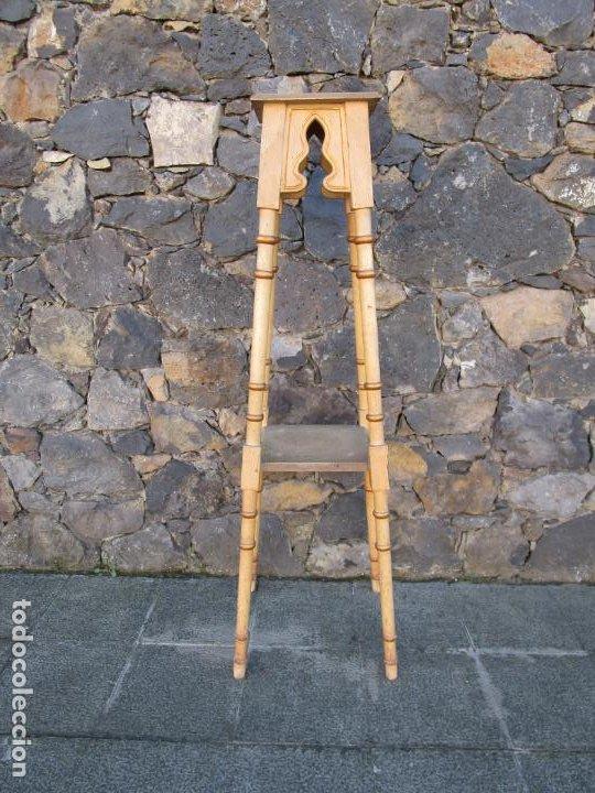 Antigüedades: Antiguo Pedestal Neoclásico - Peana, Pie, Repisa en Madera Policromada - Finales S. XIX - Foto 9 - 190541140