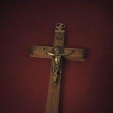Antigüedades: ANTIGUA CRUZ CON JESUS CRISTO DE BRONCE . Lote 190563361
