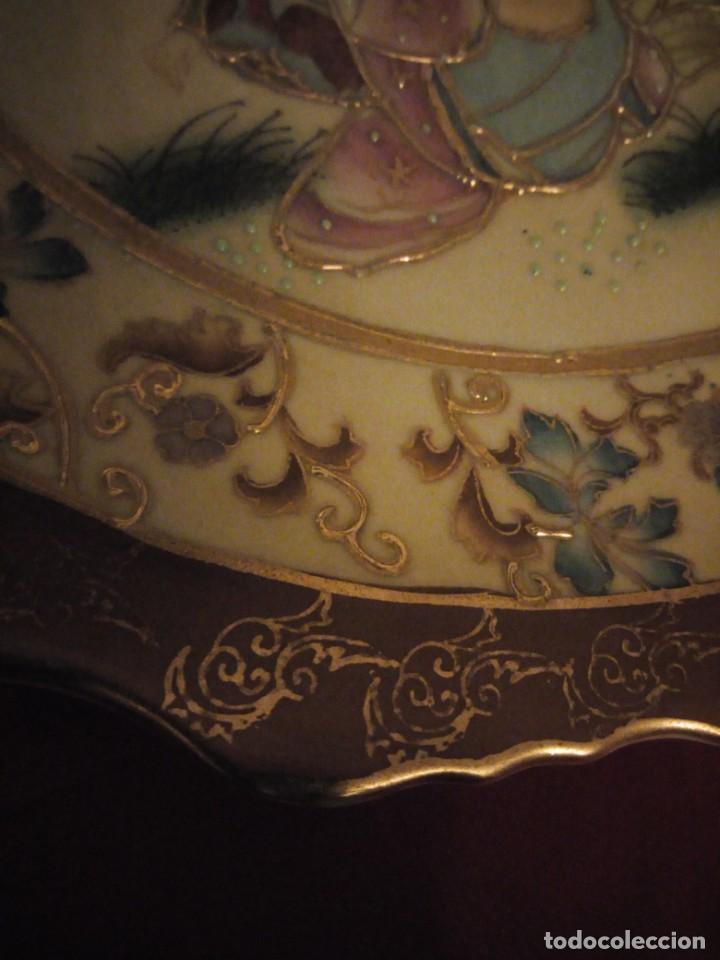 Antigüedades: Antiguo plato de porcelana satsuma motivo geishas.l. f satsuma art and painted,made in china - Foto 8 - 190563857