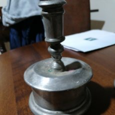 Antigüedades: PAREJA DE CANDELEROS. Lote 190615672